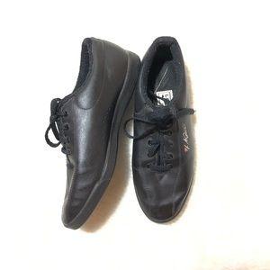 Vintage L.A. Gear 80's 90' Black Sneakers Size 7